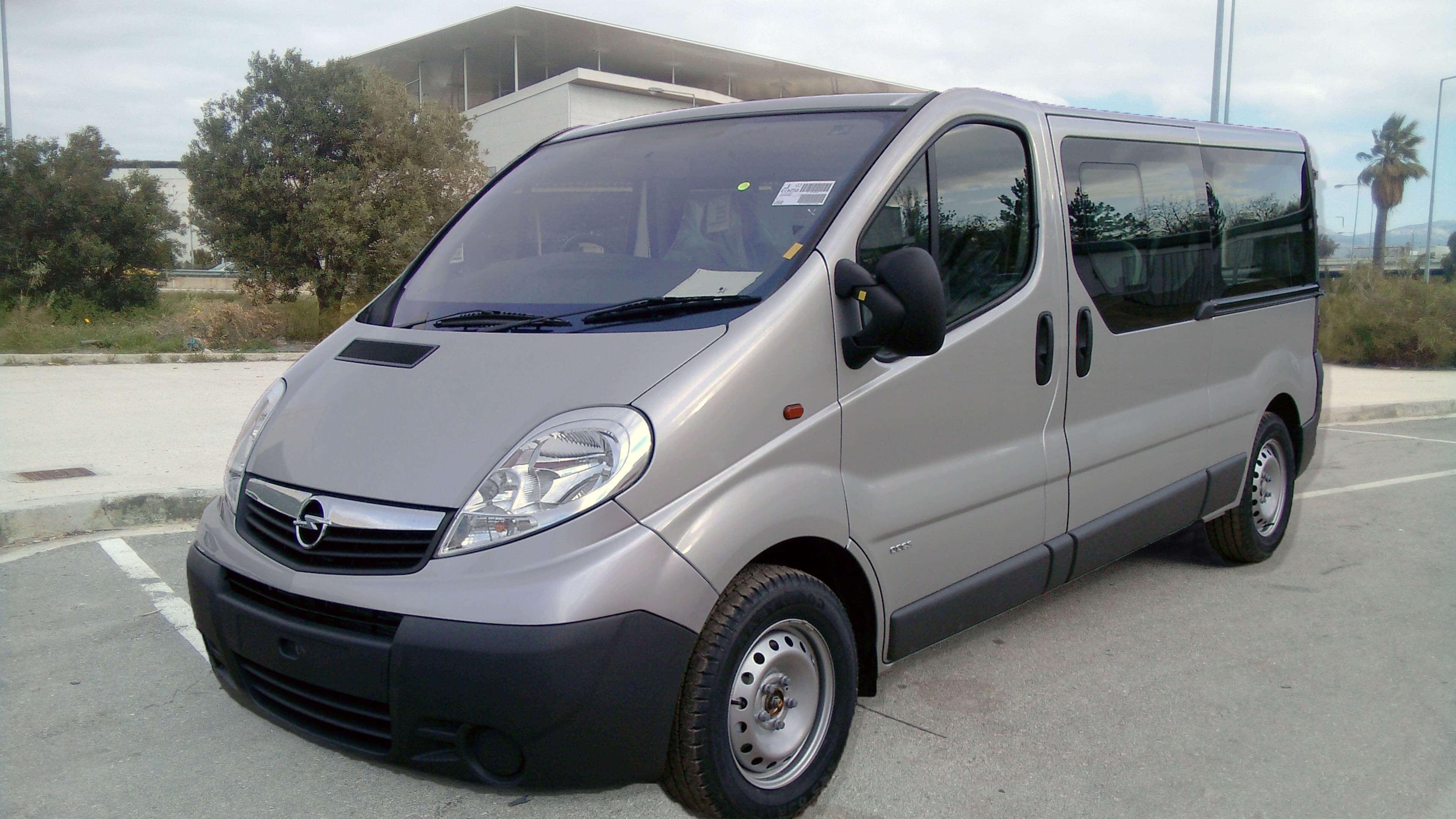 Standard Minivan - Chauffeur Greece